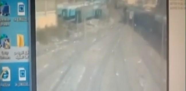 بالفيديو| مشاجرة سائقي الجرارين المتسببين في حادث محطة مصر