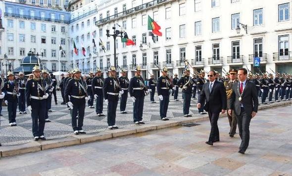 السيسي يلتقي رجال أعمال ويزور الأكاديمية العسكرية والبرلمان البرتغالي
