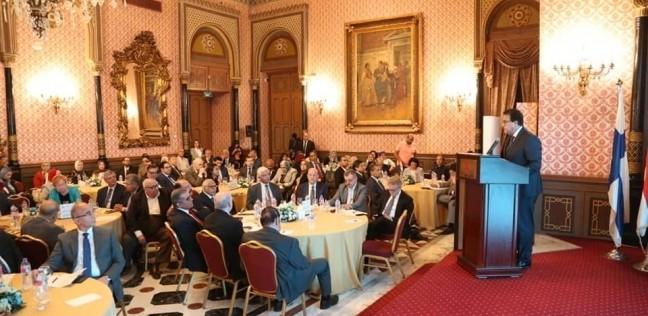 صور.. عبدالغفار يستعرض سياسات التعليم العالي بالمنتدى المصري الفنلندي