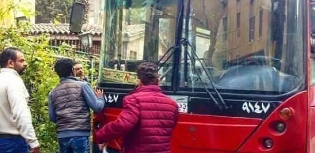 """""""أوبر"""" تشعل غضب سائقي التاكسي والأتوبيسات.. ونقابيون: لا تفيد الدولة"""