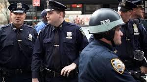 الشرطة الأمريكية تستخدم الرصاص المطاطي لتفريق المظاهرات احتجاجا على انتخاب ترامب