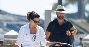 بالمايوه.. إيفا لونغوريا تستمتع فى إسبانيا بصحبة زوجها
