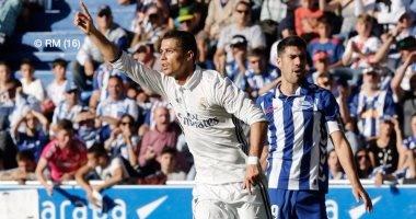 """شاهد.. """"هاتريك"""" رونالدو يتصدر 10 أرقام من رباعية ريال مدريد فى ألافيس"""