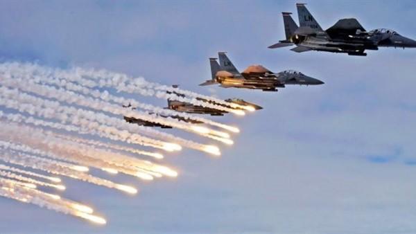 غارات جوية تستهدف مواقع للحوثيين بمطار صنعاء