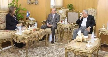 محافظ دمياط يبحث مع قنصل بريطانيا بالاسكندرية سبل التعاون الاقتصادى
