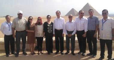 صور.. رئيس فيتنام يزور أهرامات الجيزة ويشيد بالحضارة المصرية