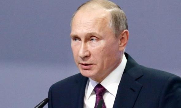 """بوتين وترامب يتفقان على ضرورة """"تطبيع"""" العلاقات بين أمريكا وروسيا"""
