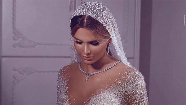 شاهد.. فساتين زفاف ساحرة لـ صادق ماجد