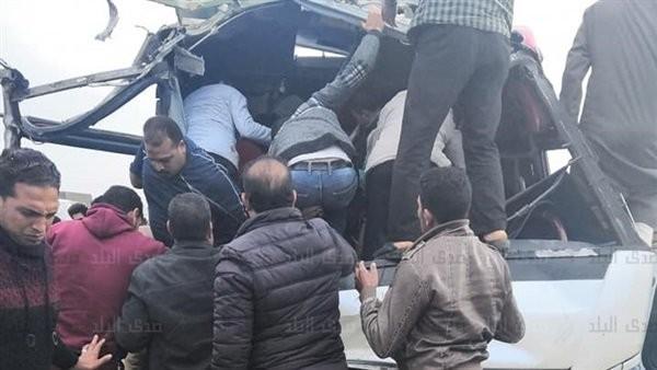 الصور الأولى لحادث انقلاب أتوبيس جامعة خاصة بطريق بلبيس - العاشر من رمضان