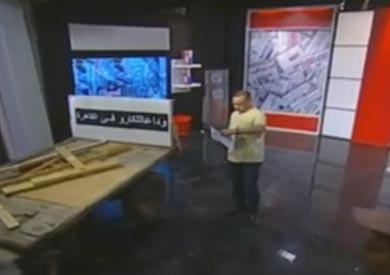 بالفيديو.. «القرموطي» يظهر بـ«كارو» على الهواء.. وصاحبها: «الغلاء خلى حالتنا قحطت»