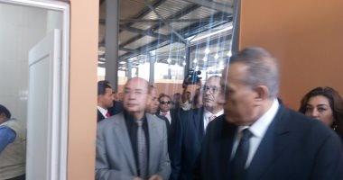 نائب وزير الإسكان ومحافظ الجيزة يفتتحان أول سوق للباعة الجائلين بالكونيسة