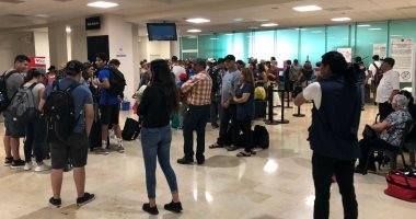 صور.. أقارب ضحايا طائرة المكسيك يتنظرون ذويهم فى مطار دورانجو بعد تحطمها