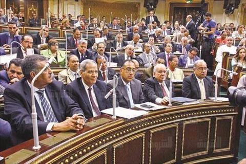 البرلمان يواصل محاسبة الحكومة بـ32 طلب إحاطة.. و16 لجنة نوعية تعقد اجتماعاتها