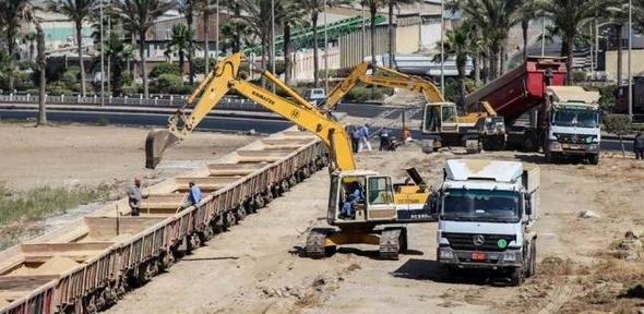 رصيد صومعة الحبوب والغلال في ميناء دمياط 85 ألف طن قمح