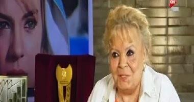 """نادية لطفى ساخرة من شائعات وفاتها لـ""""وائل الإبراشى"""":الخبر خلانى أشوف حبايبى"""