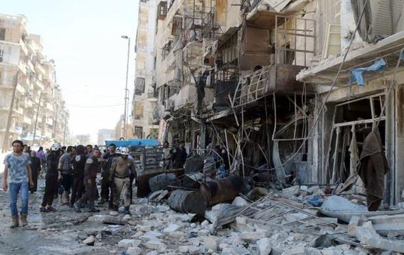 مصرع واصابة 115 شخصًا في قصف على القسم الغربي بحلب