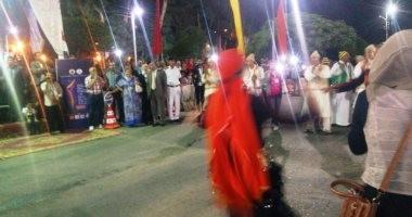 صور.. انطلاق ديفيلية مهرجان الإسماعيلية للفنون الشعبية