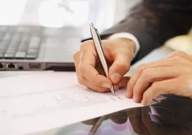 إحالة 6 موظفين في دير مواس بالمنيا للتحقيق لتغيبهم عن العمل