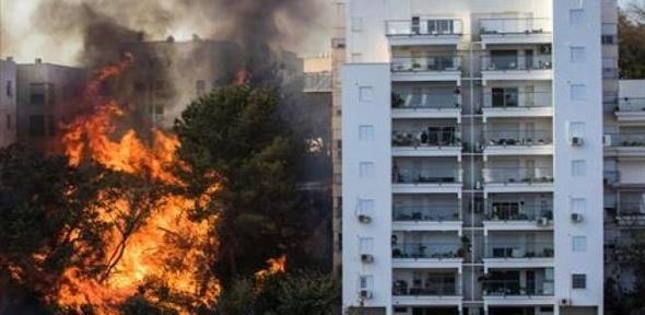 إجلاء سكان مدينة حيفا وإعلان حالة الطوارئ في بسبب الحرائق
