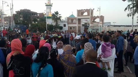 بالصور.. بدء توافد المواطنين على المؤتمر الجماهيري لدعم «السيسي» بسفاجا