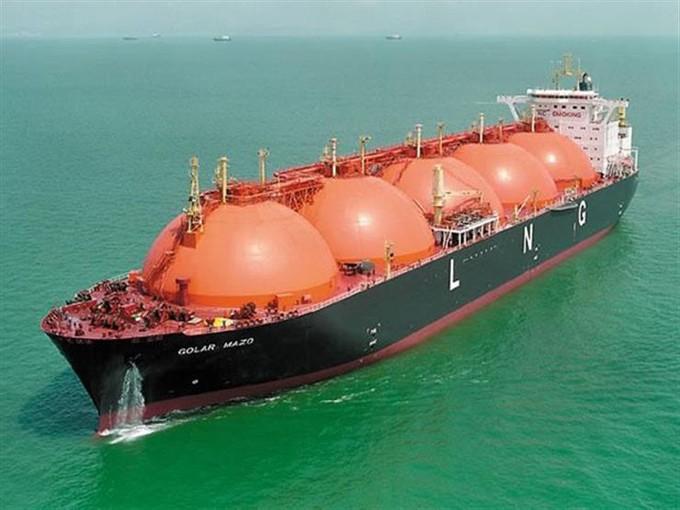 «البترول» ترفض التعليق على أي اتفاقية لشركات القطاع الخاص بشأن «استيراد أو بيع الغاز»