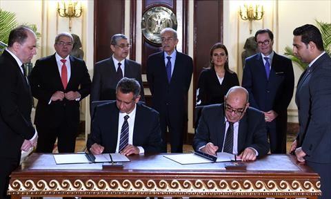الحكومة تتعاقد مع «تيويوتا وإنجي وأوراسكوم» لإنشاء مزرعة رياح بخليج السويس بـ400 مليون دولار