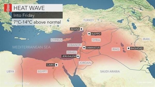 يدعو عدم مغادرة المنزل.. موقع عالمي يحذر من موجة حارة في مصر الجمعة