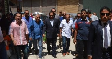 صور.. محافظ الغربيه يتفقد أعمال رصف شوارع مدينة طنطا