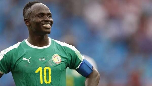 من داخل المعسكر.. استقبال ملكي لـ ماني من قبل لاعبي وجهاز السنغال..فيديو