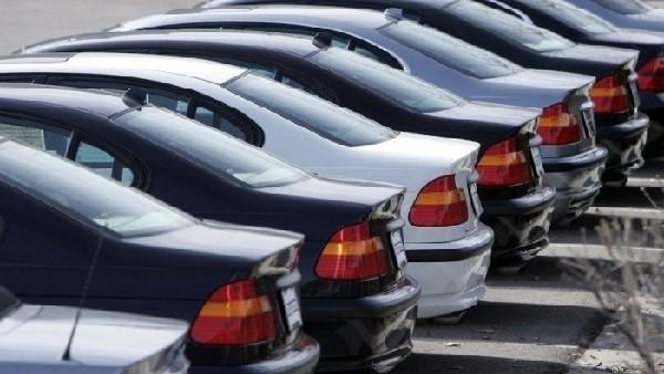 شعبة السيارات: تحرير الدولار الجمركي سيحرك أسعار الياباني والصيني والأمريكي 15%
