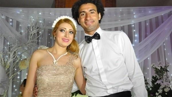 علي ربيع يعيد متابعة زوجته على إنستجرام بعد انفصالهما.. تعرف على رد فعلها
