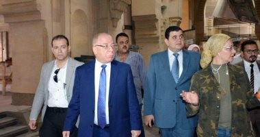 وزير الثقافة يتفقد دار الكتب تمهيداً لافتتاحها قبل بداية 2018