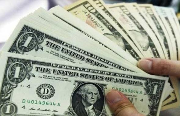 """الدولار يتجاهل 11/11.. """"الأسعار في 4 بنوك"""""""