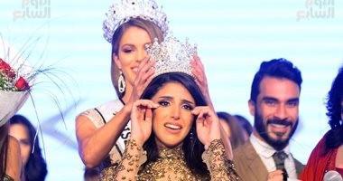 """الفرنسية """"إيريس ميتينير"""" تتويج فرح صدقي كملكة جمال مصر للكون لعام 2017"""