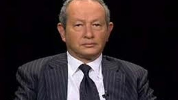 ساويرس: تحرير سعر الجنيه خطوة متأخرة لكنها ستحقق الاستقرار