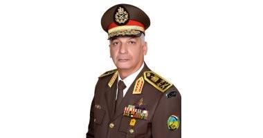 وزير الدفاع والإنتاج الحربى يلتقى مقاتلى الجيش الثانى الميدانى