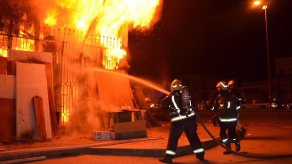 إصابة 16 شخصا في حريق هائل داخل سوبر ماركت شهير بالإسكندرية