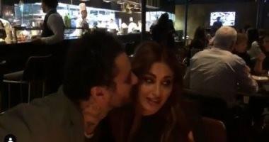 فيديو وصور.. أحمد الفيشاوى يحتفل بعيد ميلاد زوجته ندى كامل