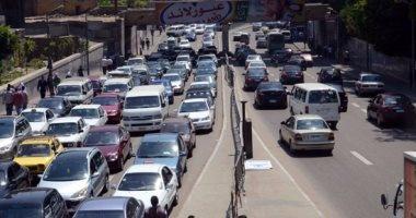 النشرة المرورية.. كثافات عالية أعلى محاور القاهرة والجيزة