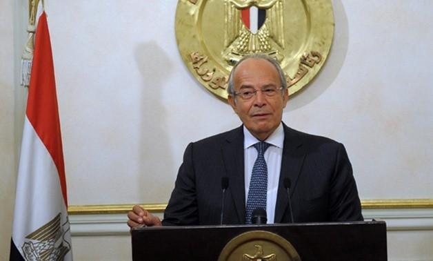 وزير التنمية المحلية يكرم رئيس حي شرق مدينة نصر