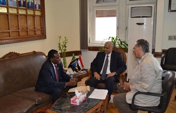 رئيس جامعة الإسكندرية يستقبل سفير تنزانيا