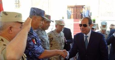 بالصور.. الرئيس السيسي يتفقد إجراءات تفتيش الحرب لإحدى تشكيلات الجيش الثالث الميدانى