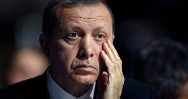 مستوردون أتراك يلغون تعاقداتهم لشراء ملابس بسبب أزمة الليرة