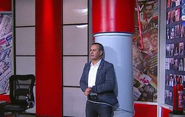 """فيديو.. القرموطي يتضامن مع نقيب الصحفيين على """"طريقته الخاصة"""""""