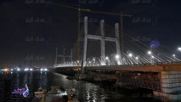 بعد افتتاح السيسي .. شاهد كوبري روض الفرج المعلق ليلا.. صور