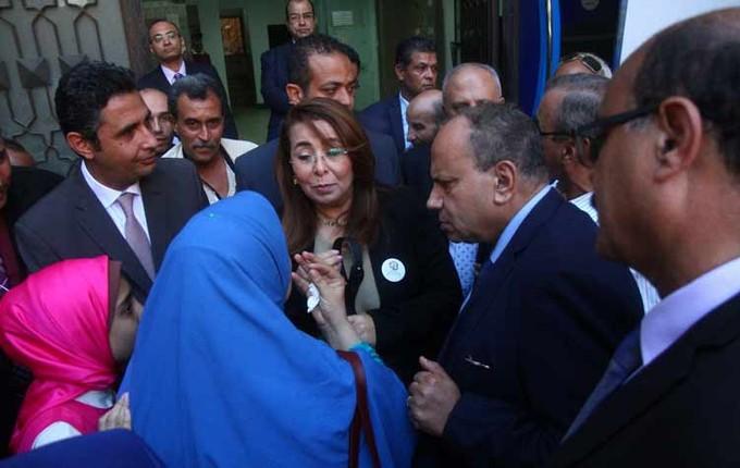 غادة والي تتفقد الخدمات التأمينية المقدمة لأصحاب المعاشات شرق الاسكندرية