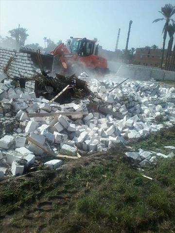 إزالة 26 تعدٍ بالردم والبناء على نهر النيل في بني سويف وقنا