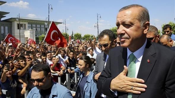 السلطات التركية توقف رئيسة بلدية دياربكر في قضايا تتعلق بالإرهاب