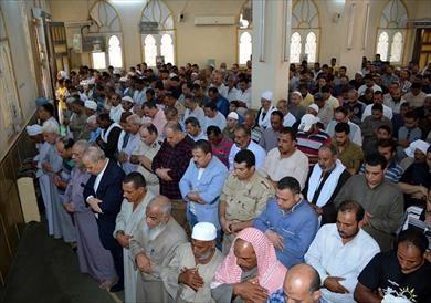 أهالي الخانكة يشيعون جثمان شهيد العمليات الإرهابية بشمال سيناء