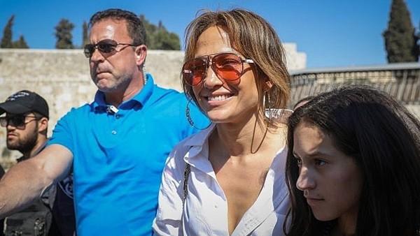 بسبب إسرائيل.. دعوات لإلغاء حفلة جينفر لوبيز في العلمين